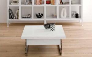 Piccolo tavolo alzabile ed allungabile in legno bianco