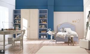 Cameretta stile sobrio e tradizionale in legno color blu e beige