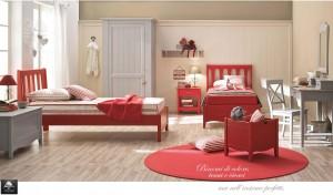 Cameretta stile tradizionale legno color rosso e azzurro.